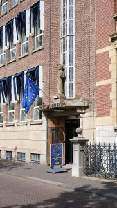 Het voormalige Lloydgebouw in Den Haag